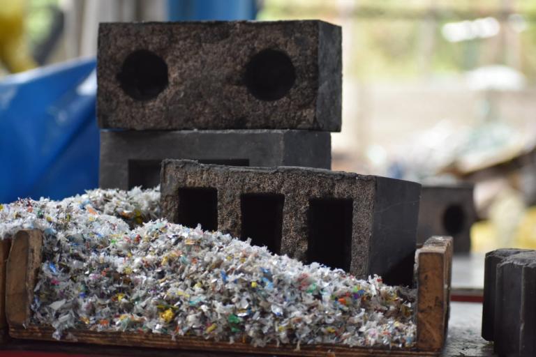 Silica Plastic Block